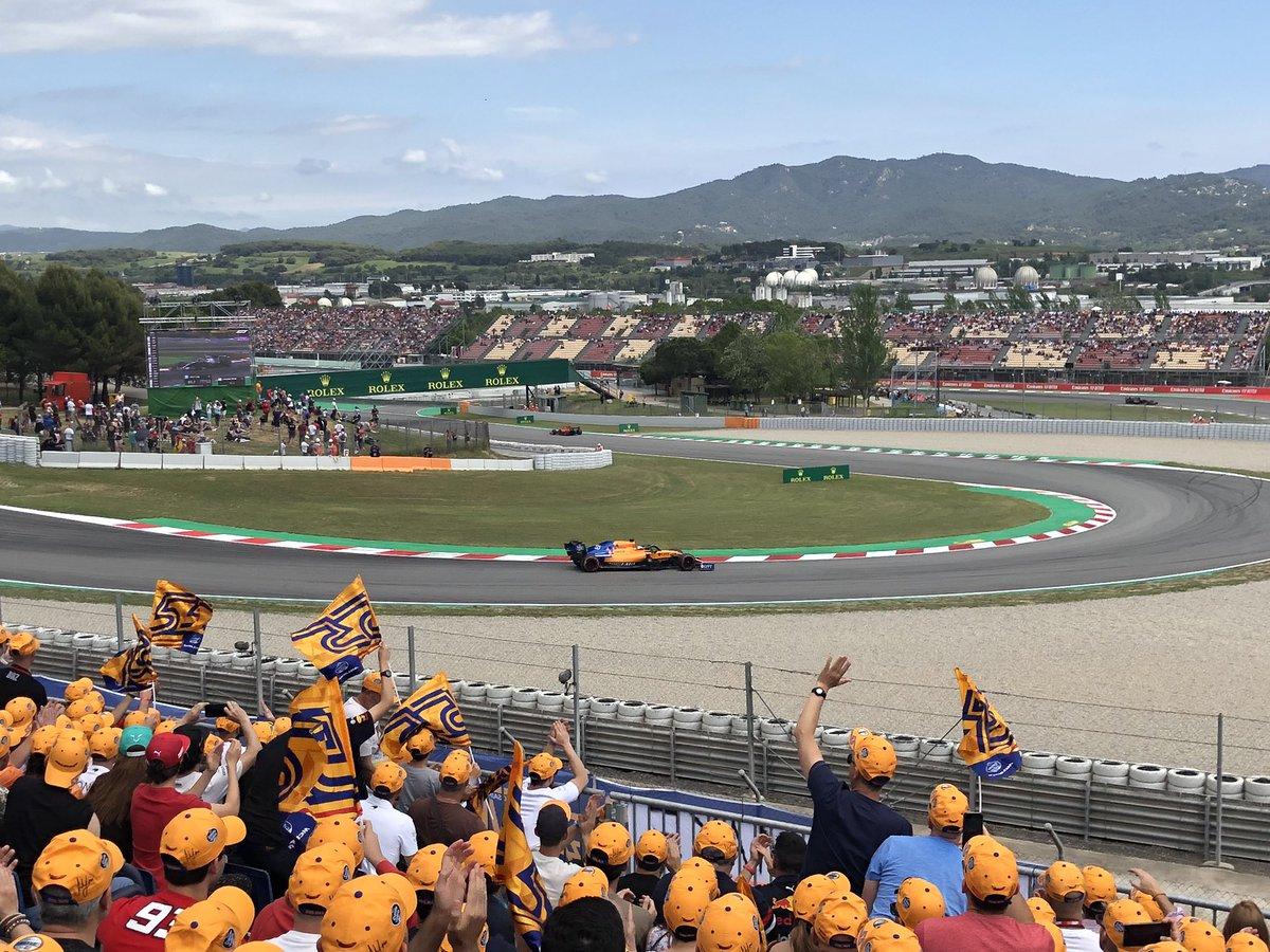 McLaren corriendo a medias con una afición casi como en casa, por Elian Roberto.