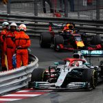 Hamilton perseguido por Verstappen