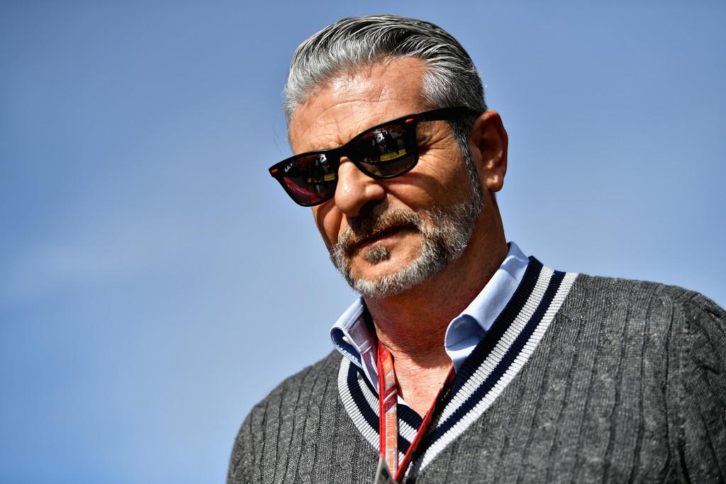 """Arrivabene pide a los fans apoyar a Ferrari """"en los momentos difíciles"""""""
