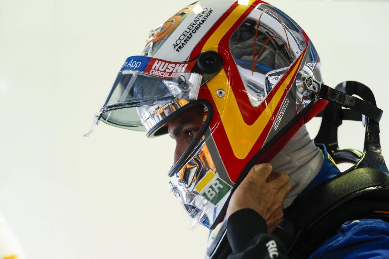 Carlos Sainz cree que será difícil superar a Renault en carrera