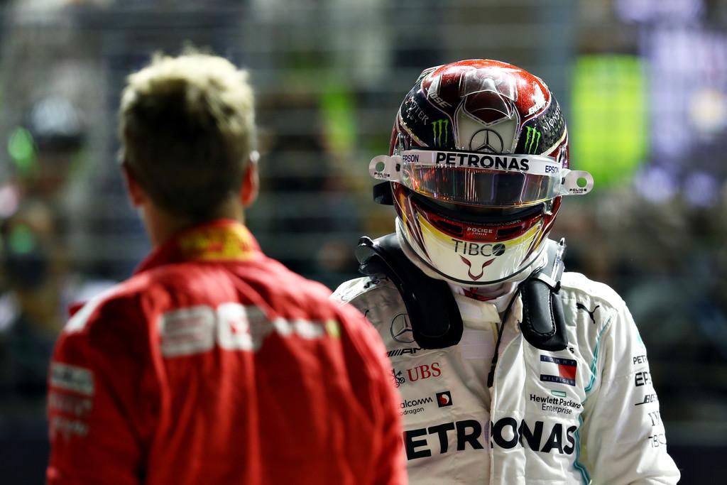 "Hamilton cree que ""es malo para Ferrari"" el tratar a Leclerc como #1"