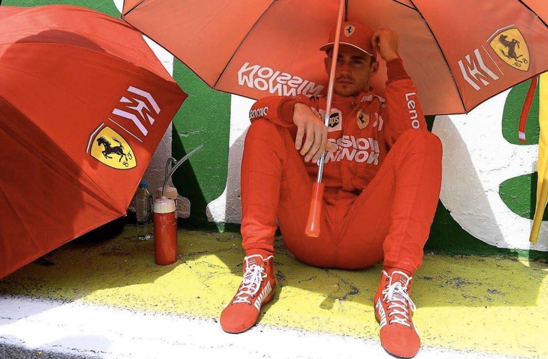 Leclerc, victima de Vettel y del pitwall de Ferrari