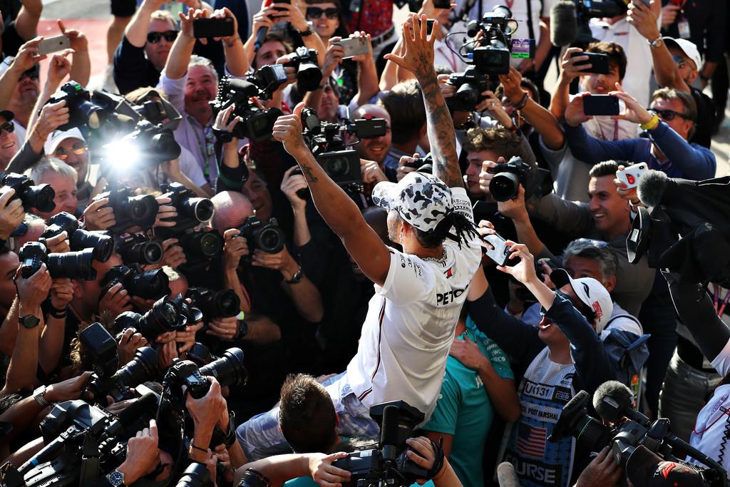 Lewis Hamilton a secas