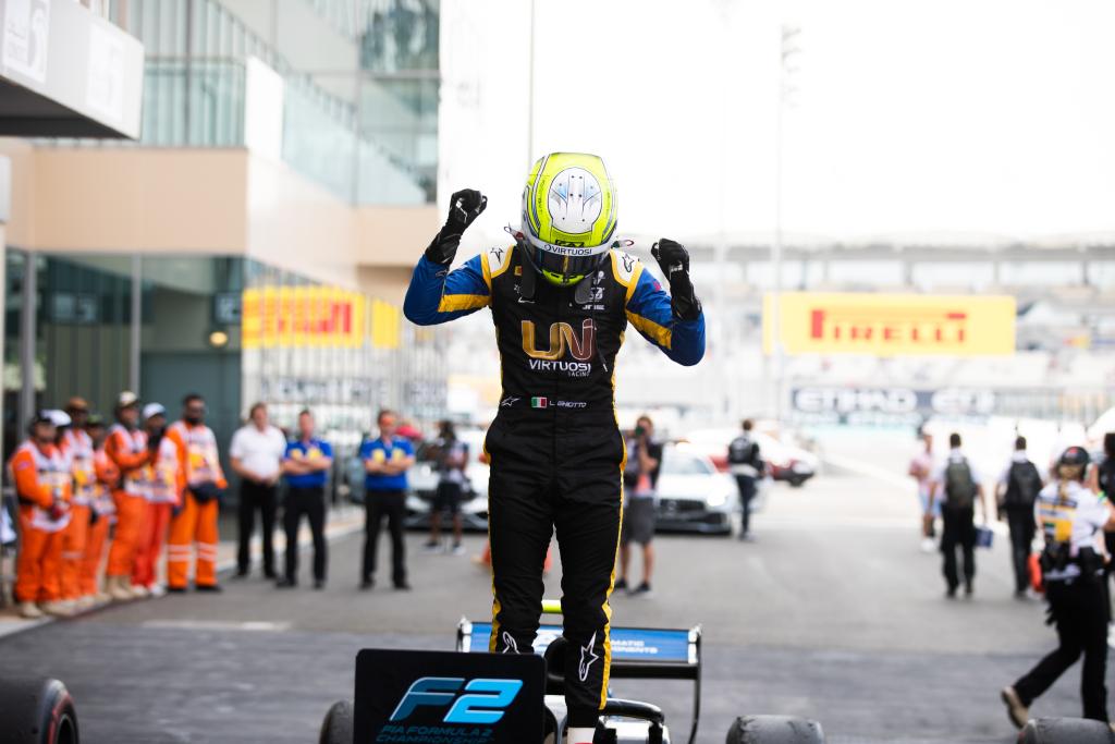 Luca Ghiotto gana la última carrera de F2 del año