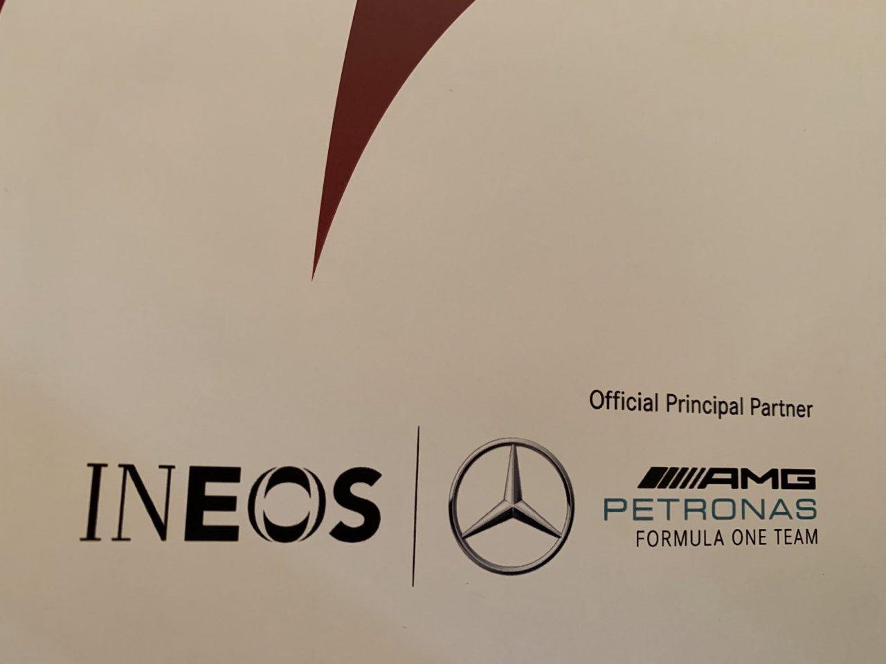 Mercedes siguió a Haas y también presentó la pintura 2020 antes de lo previsto