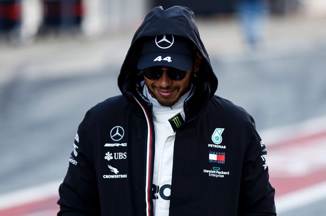 Lewis Hamilton sin síntomas de Coronavirus