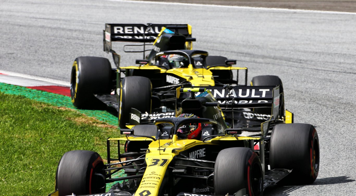 Renault mostró consistencia y colocó a Ricciardo y  Ocon en el top 10