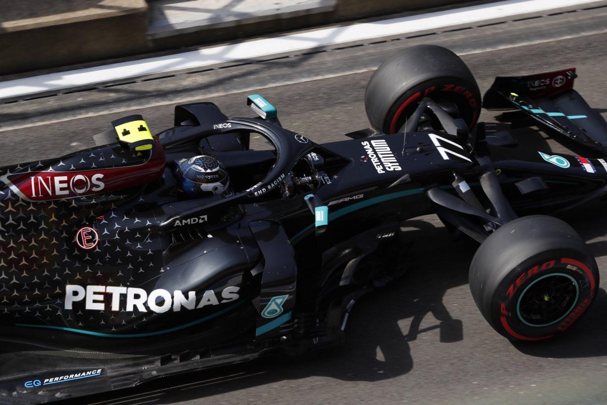 Bottas lidera la primera sesión del Gran Premio aniversario de la F1