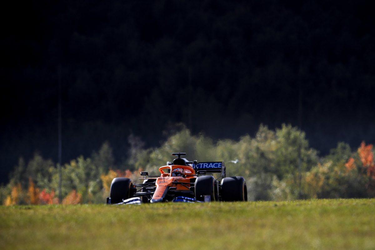 Sainz cree que las mejoras de McLaren hicieron que cayera el rendimiento del auto