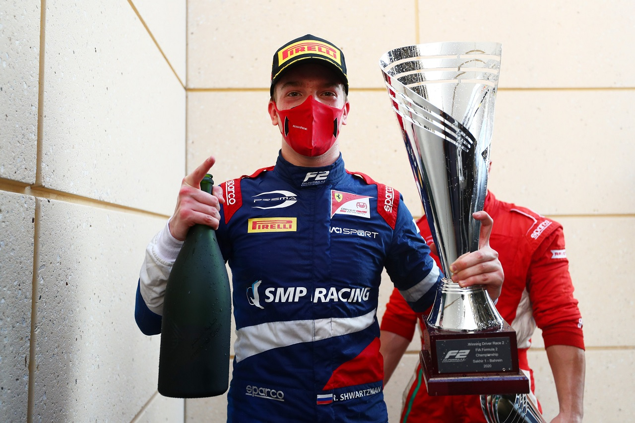 Shwartzman gana la primera Sprint Race en Bahrein