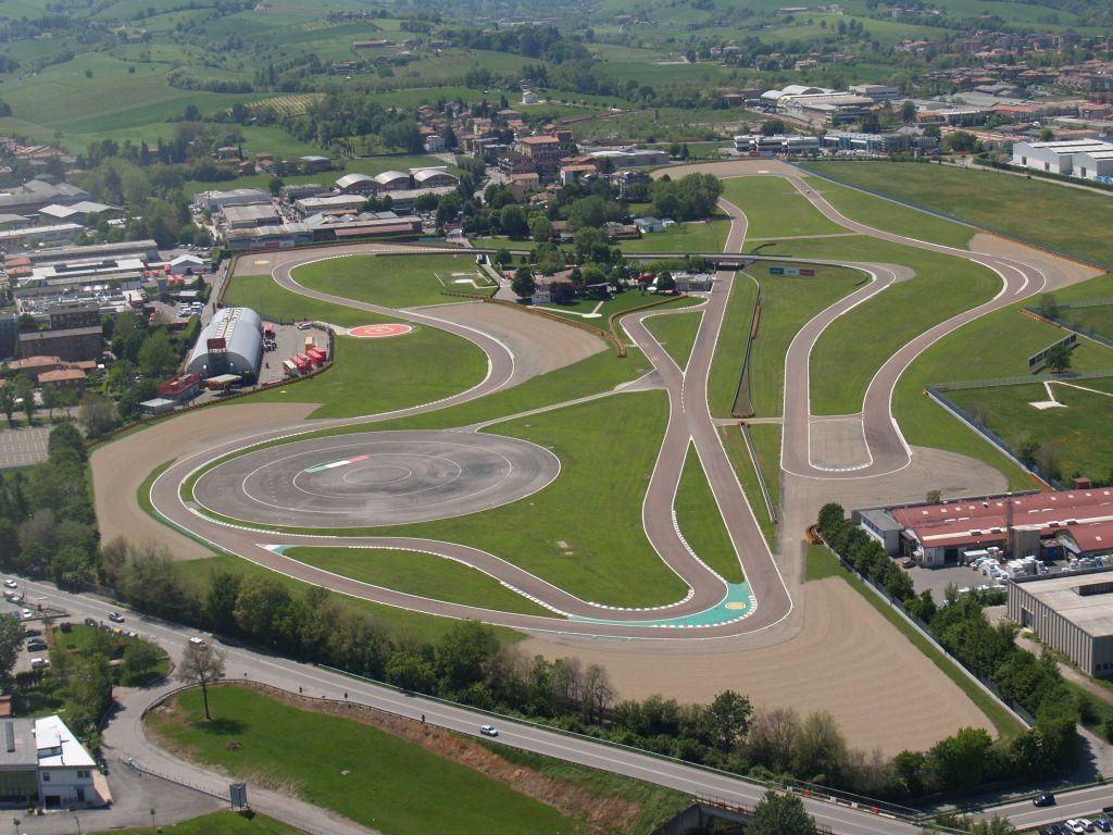 Ferrari entra en calor, los pilotos de la escudería comenzarán los entrenamientos en Fiorano