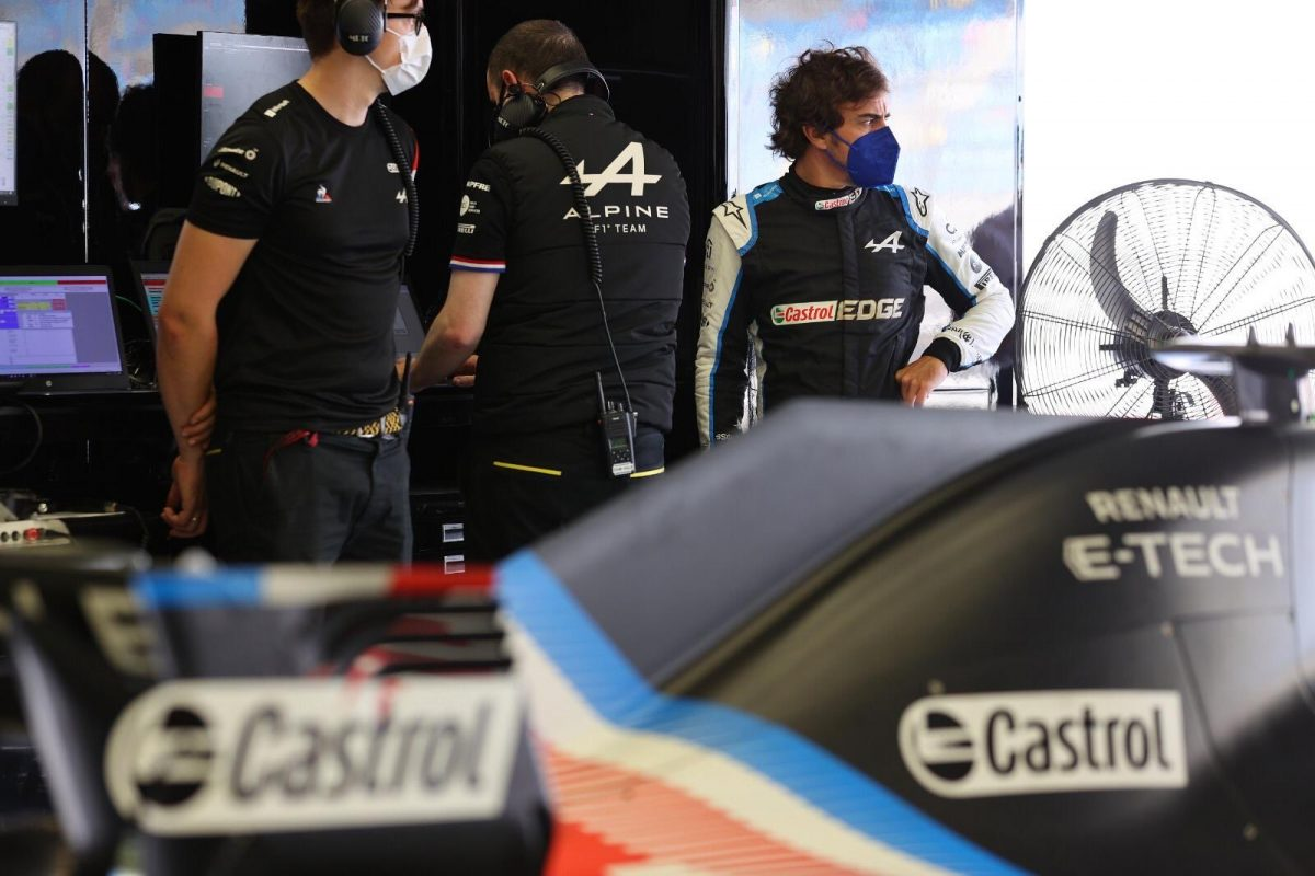 """Alonso piensa quedarse """" al menos dos años"""" más en Fórmula 1"""