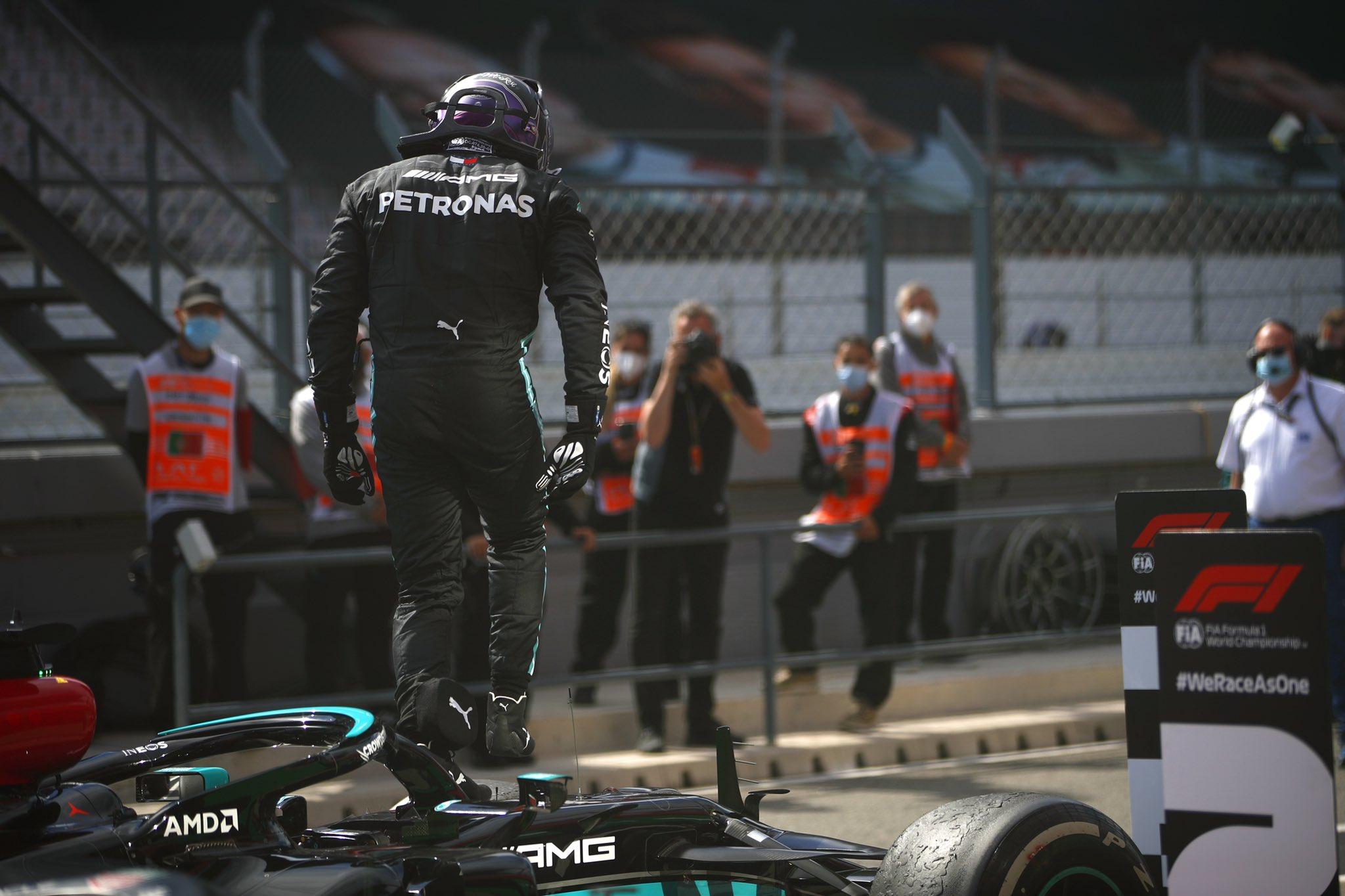 Lewis Hamilton gana en Portugal