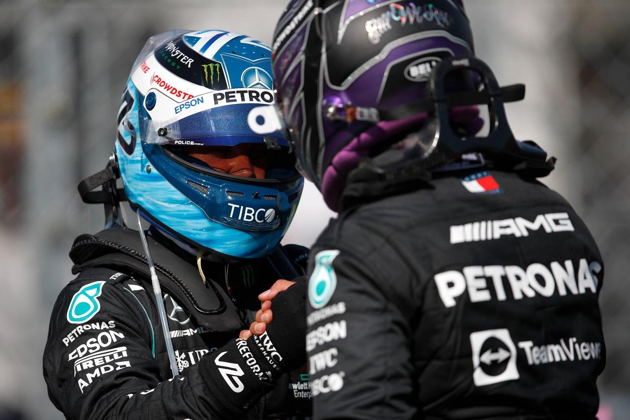 1-2 de Mercedes en la clasificación de Hungría