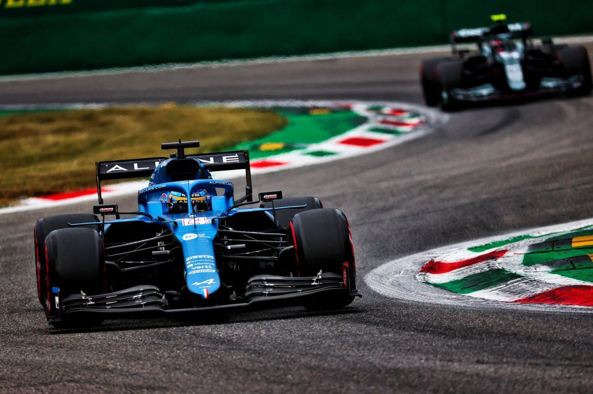 Alpine suma con sus dos autos en Italia