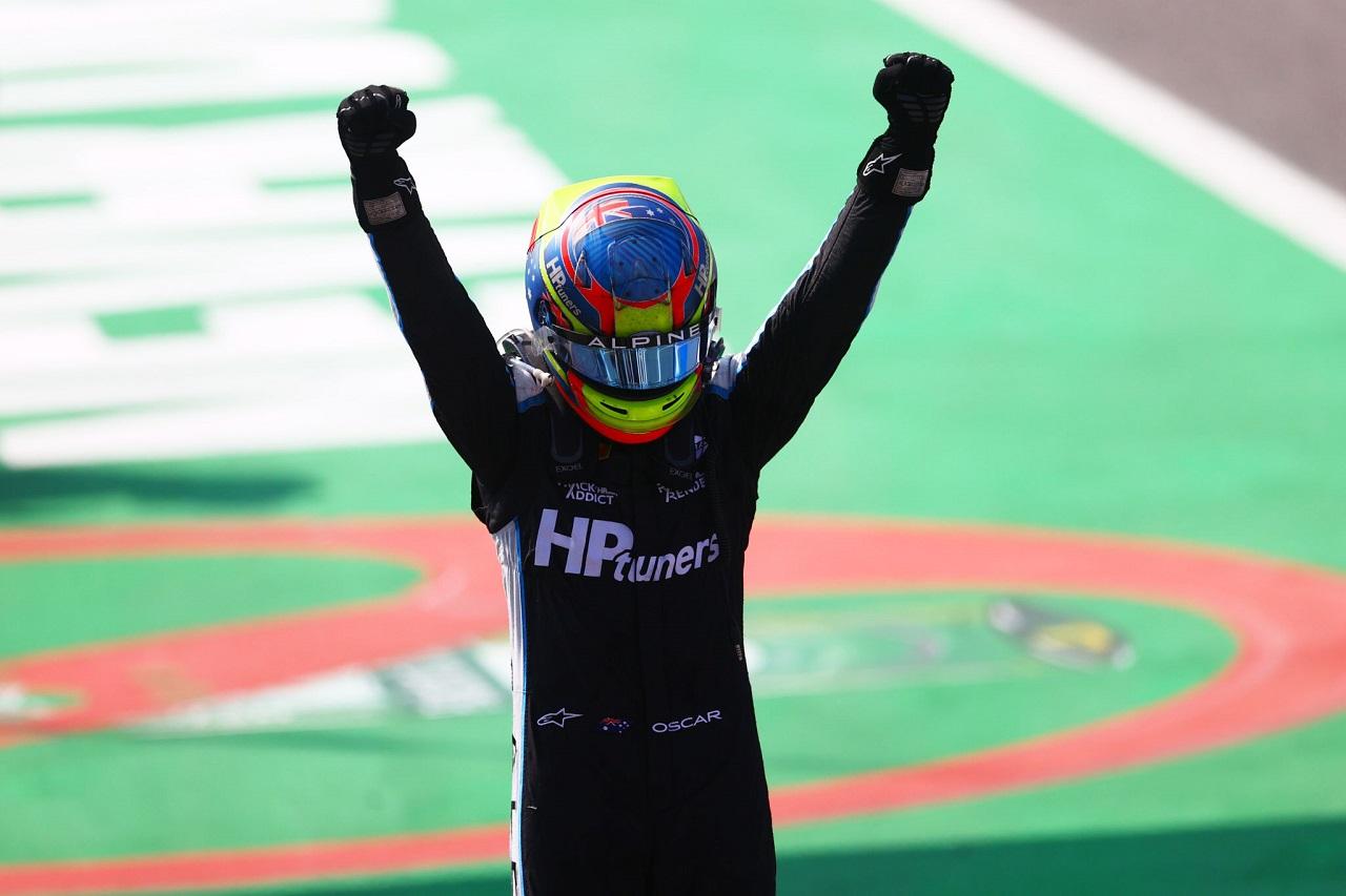 Oscar Piastri y una dominante victoria en Monza