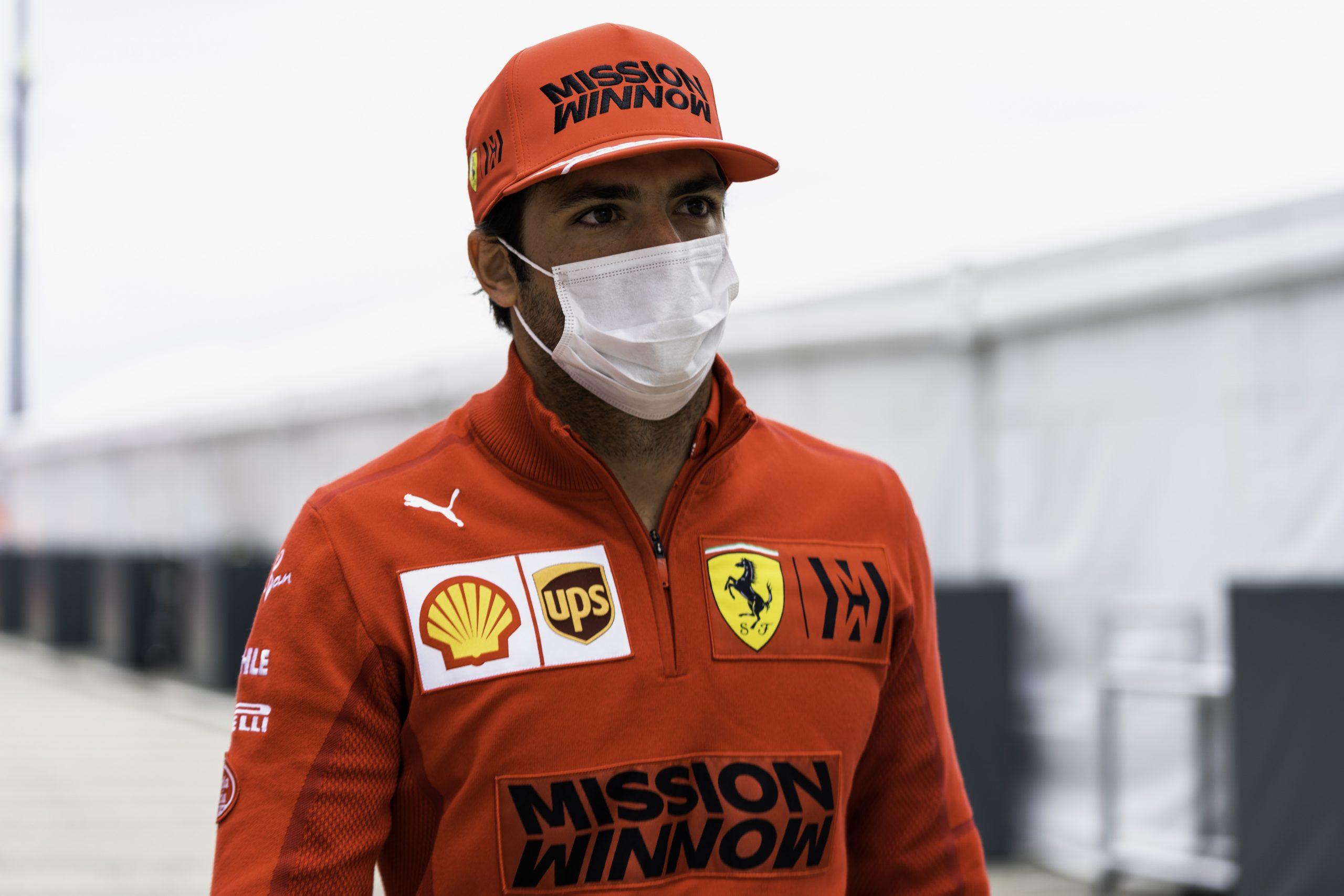Carlos Sainz/ @Ferrari